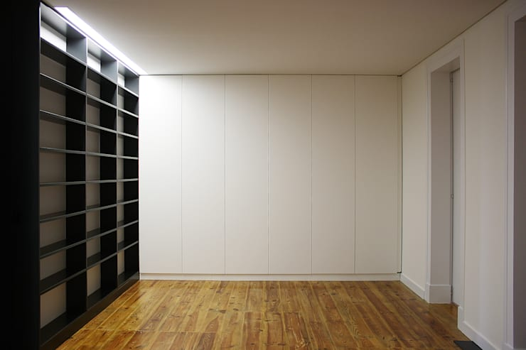 Apartamento em Lisboa : Salas de estar  por Archimais ,Minimalista