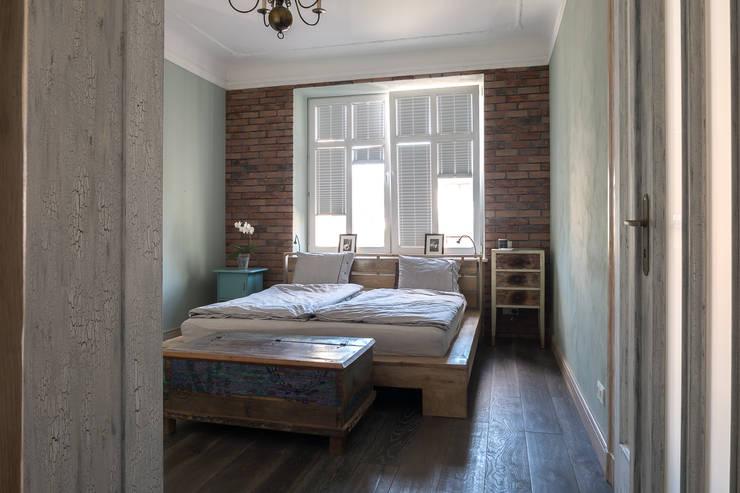 Apartament na Mokotowie: styl , w kategorii Sypialnia zaprojektowany przez Jacek Tryc-wnętrza