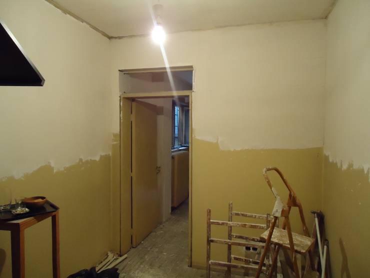 Aykuthall Architectural Interiors – Antre Önceki Hali:  tarz