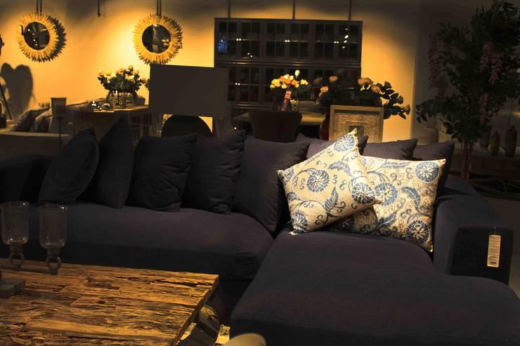 THE GROOVE – SUZANİ DEKORATİF YASTIK:  tarz Oturma Odası