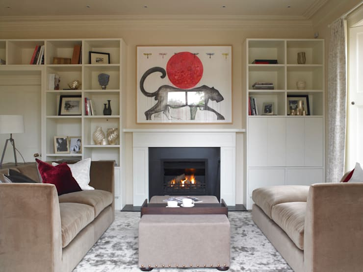 Family snug, Manor Farm, Oxfordshire:  Living room by Concept Interior Design & Decoration Ltd