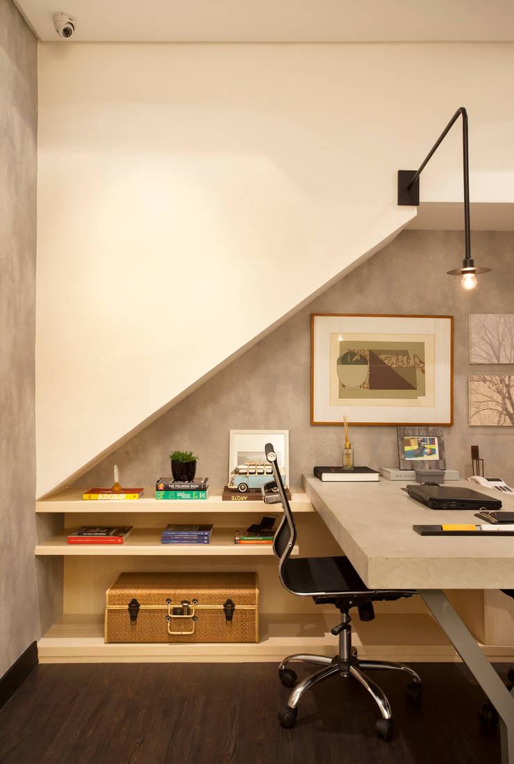 ESCRITÓRIO BC ARQUITETOS : Escritórios  por BC Arquitetos