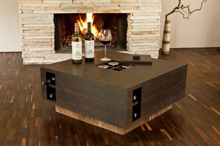 Wein-Couchtisch:  Wohnzimmer von raphaeldesign