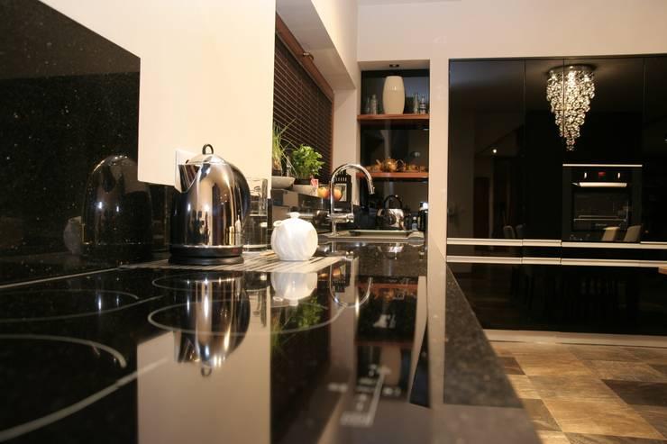 Przegląd przykładowych realizacji: styl , w kategorii Kuchnia zaprojektowany przez Art&Design Studio Projektowe Kinga Śliwa