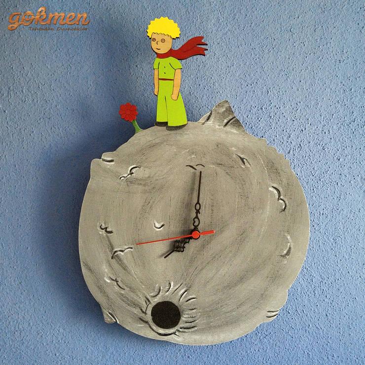Gökmen Ahşap Oyuncak ve Tasarım – Ahşap Küçük Prens Duvar Saati / Wooden Little Prince Wall Clock:  tarz Oturma Odası