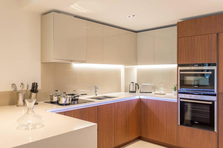 Modern Kitchen Cocinas de estilo moderno de In:Style Direct Moderno