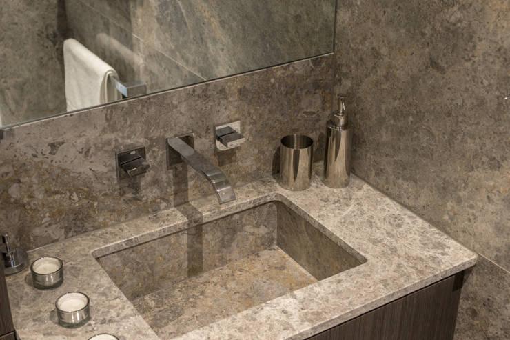 Bathroom Baños de estilo moderno de In:Style Direct Moderno