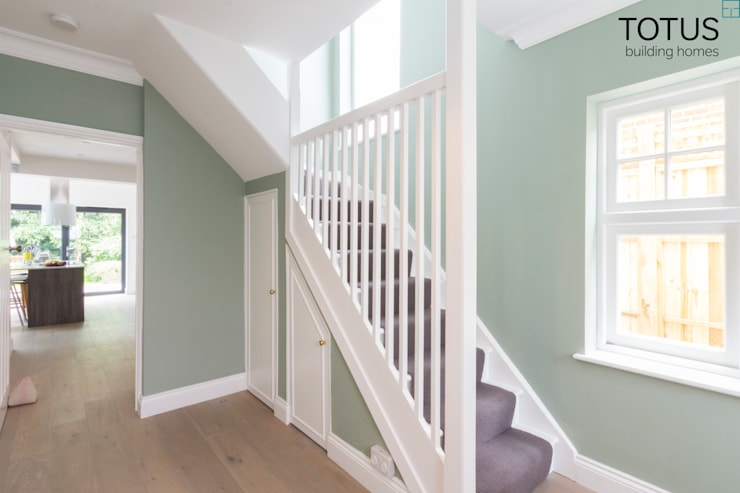 New life for a 1920s home - extension and full renovation, Thames Ditton, Surrey:  Corridor & hallway by TOTUS