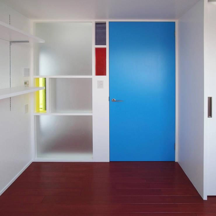 音楽家の家「Casa Felice」: ユミラ建築設計室が手掛けた書斎です。