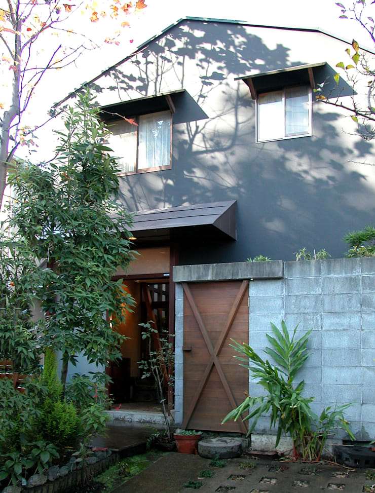 土間でサンマの焼ける家: ユミラ建築設計室が手掛けた家です。