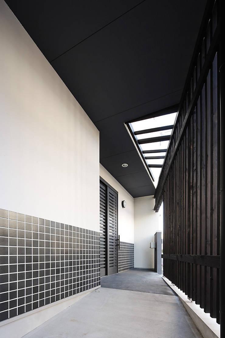 古民家な家: 有限会社タクト設計事務所が手掛けた家です。,和風