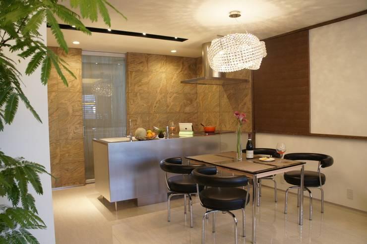 アフター写真2階キッチン: 依田英和建築設計舎が手掛けたです。