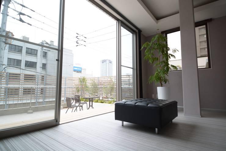 アフター写真3階リビング: 依田英和建築設計舎が手掛けたです。
