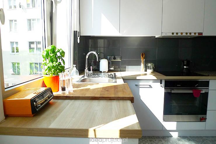 44m2 dla dwójki!: styl , w kategorii Kuchnia zaprojektowany przez idea projekt