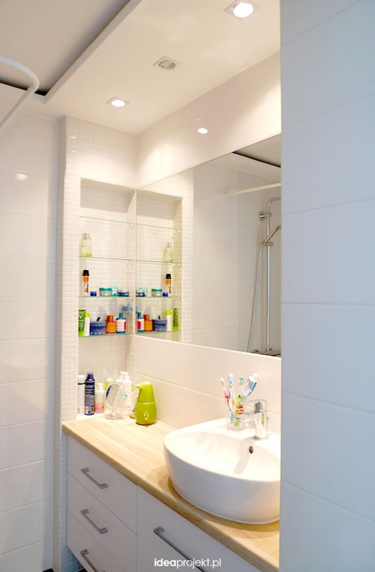 Salle de bain scandinave par idea projekt Scandinave