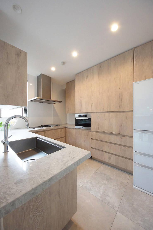 使い勝手にも配慮されたキッチン: TERAJIMA ARCHITECTSが手掛けたキッチンです。,