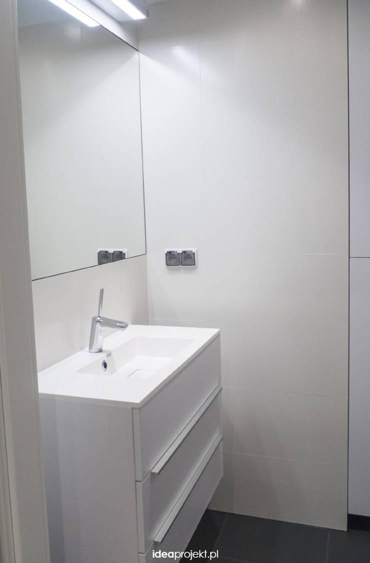 WC dla brodacza: styl , w kategorii Łazienka zaprojektowany przez idea projekt,Nowoczesny