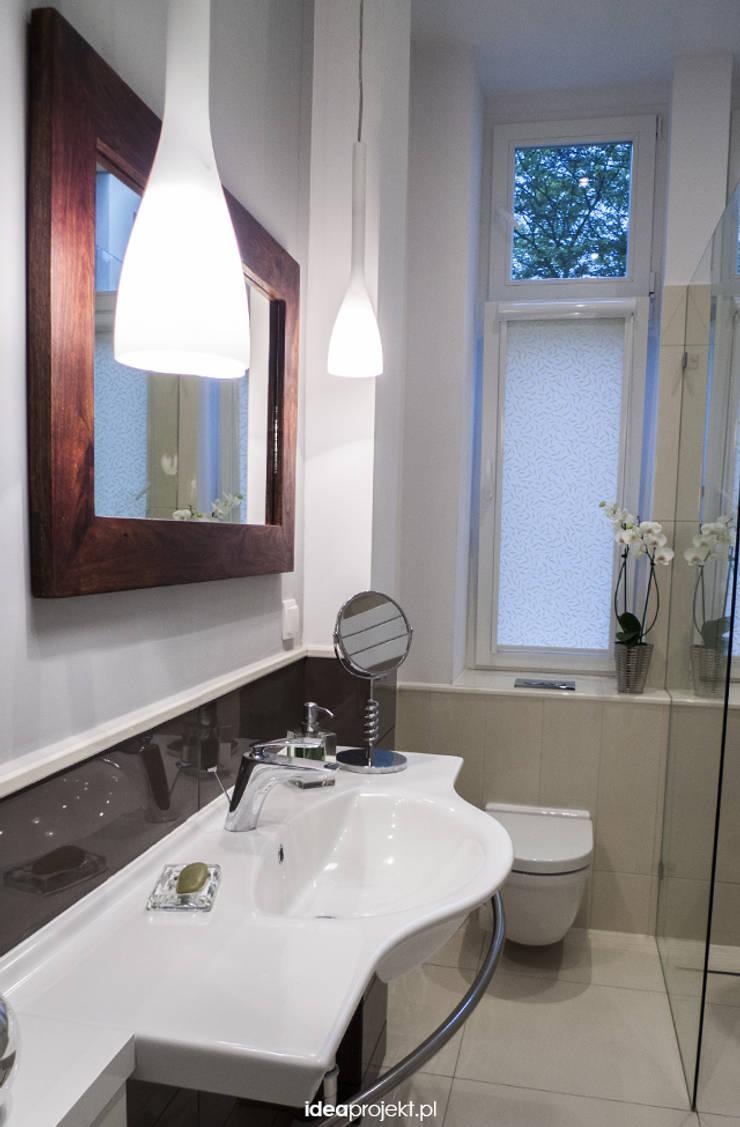 WC w Sopockiej kamienicy: styl , w kategorii Łazienka zaprojektowany przez idea projekt