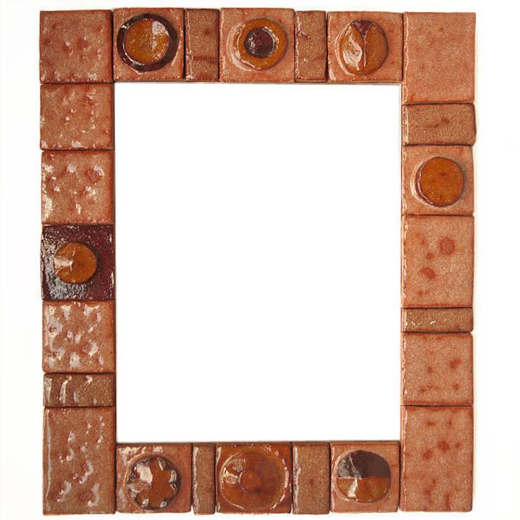 Kafelki na ramę lustra - ziemia i szkło: styl , w kategorii Ściany i podłogi zaprojektowany przez Dekory Nati