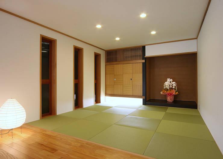 小上がり: 有限会社 TEAMWORKSが手掛けた和室です。