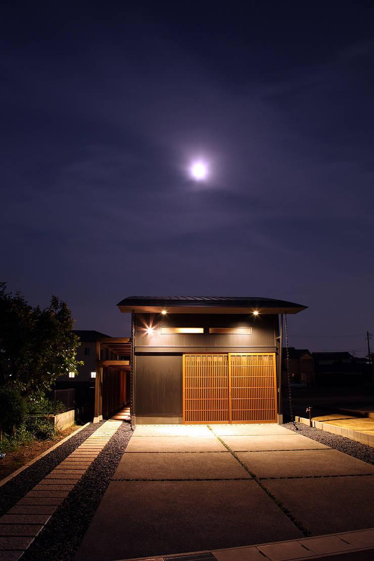 外観 - ファサード: 有限会社 TEAMWORKSが手掛けた家です。