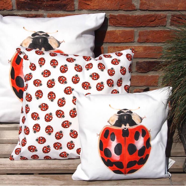Lieveheersbeestjes: modern  door by Sorcia, Modern