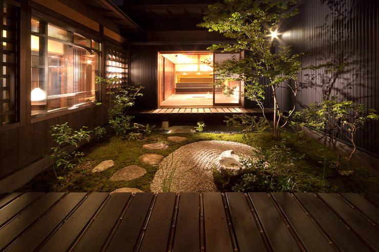舞双庵: 有限会社 TEAMWORKSが手掛けた庭です。