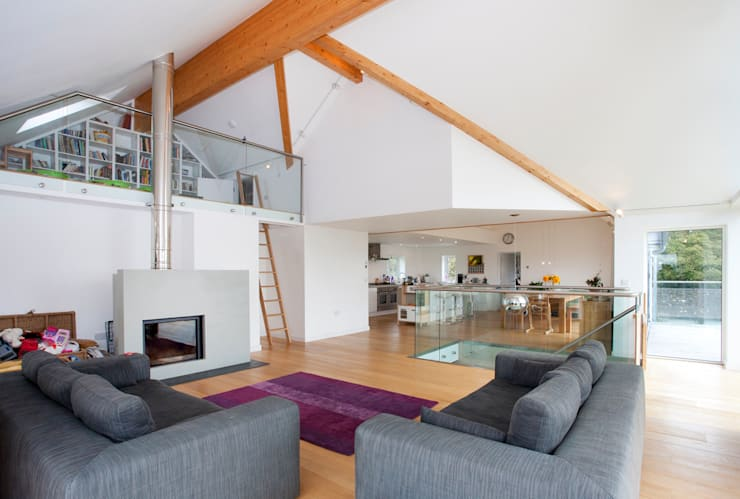 Contemporary Home, Bude, Cornwall: modern Living room by The Bazeley Partnership