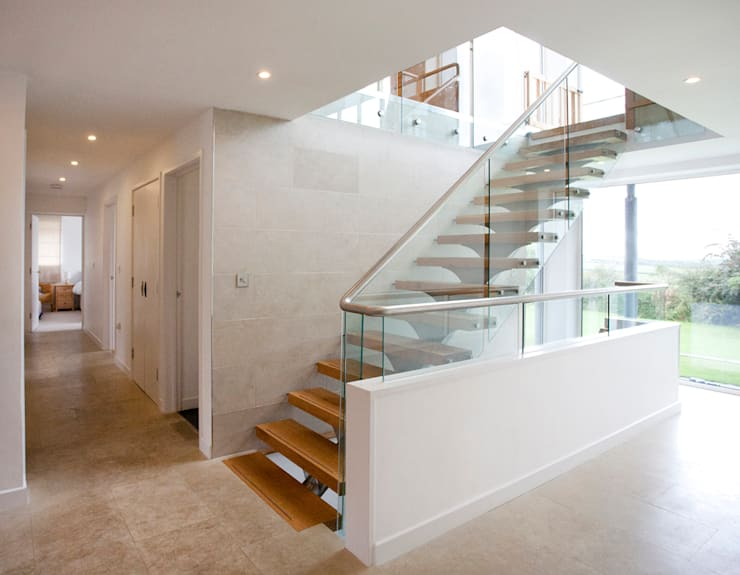 Contemporary Home, Bude, Cornwall:  Corridor & hallway by The Bazeley Partnership