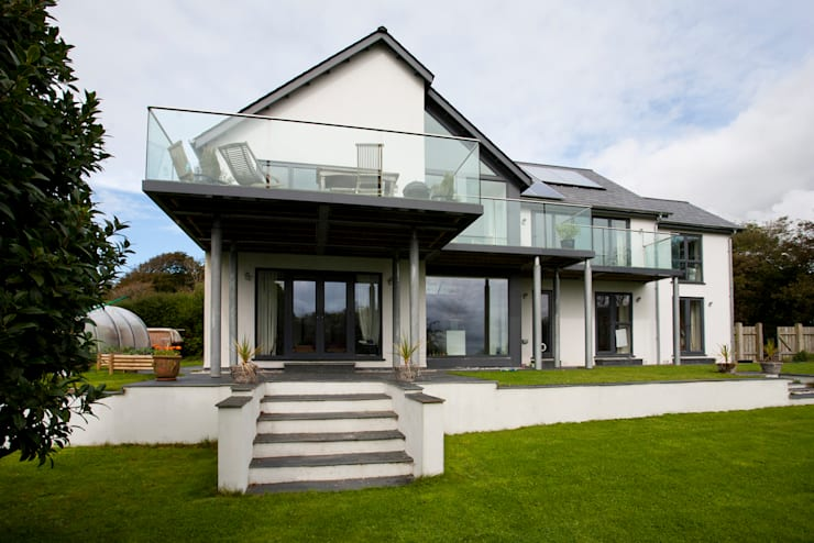 Contemporary Home, Bude, Cornwall: modern Houses by The Bazeley Partnership