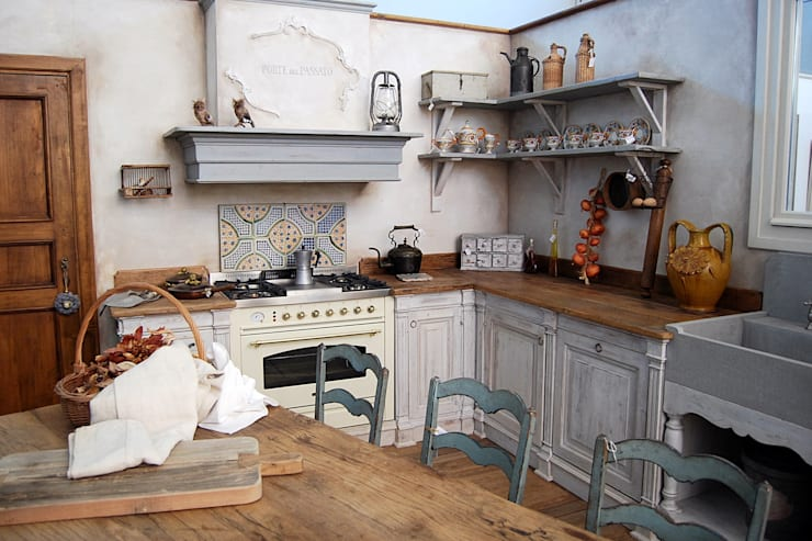 Cucine provenzali 7 idee romantiche ed evocative - Mensole cucina country ...