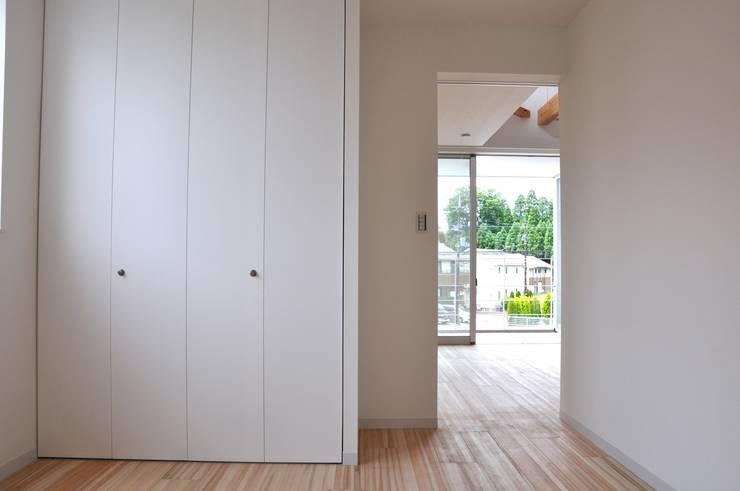 ห้องนอน by アトリエ24一級建築士事務所