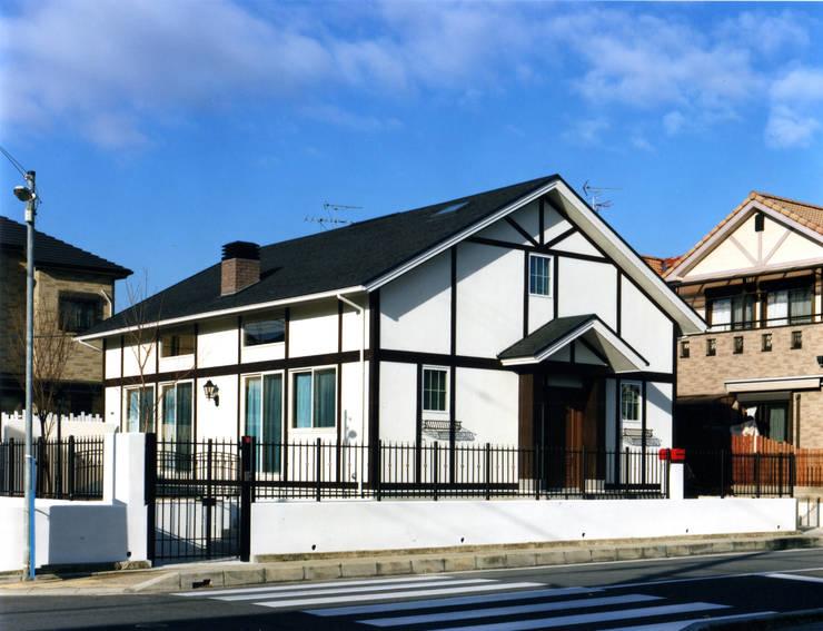 生駒の家: 中間建築設計工房/NAKAMA ATELIERが手掛けた家です。