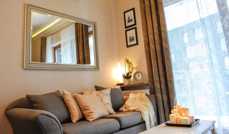 Apartament Novum: styl , w kategorii Salon zaprojektowany przez AgiDesign,Klasyczny