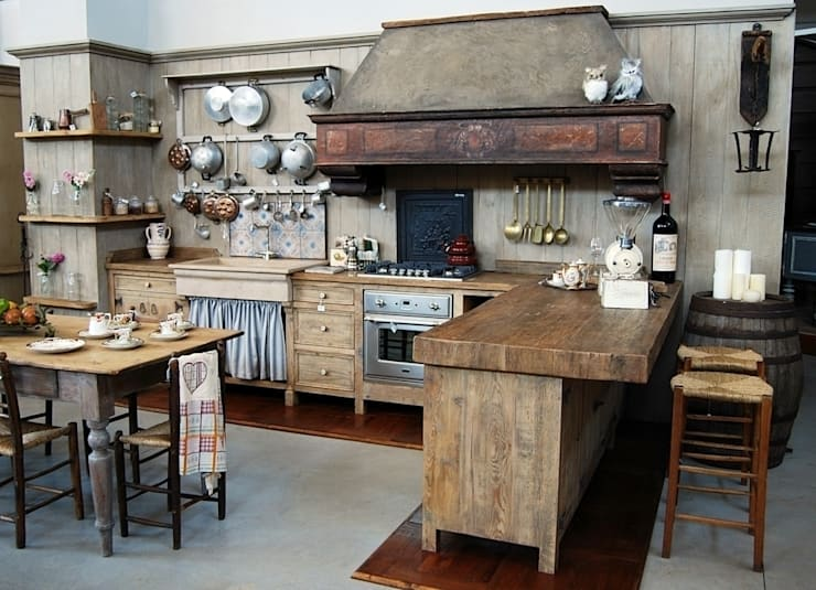 rustic Kitchen by Porte del Passato