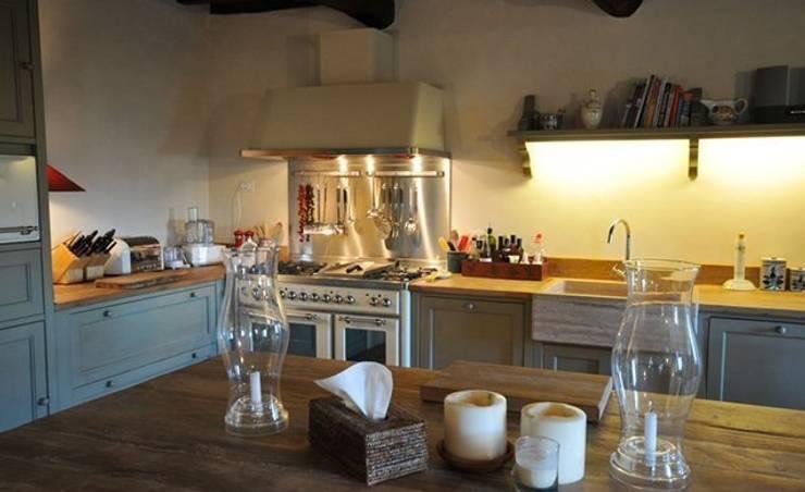 Кухня в . Автор – Porte del Passato