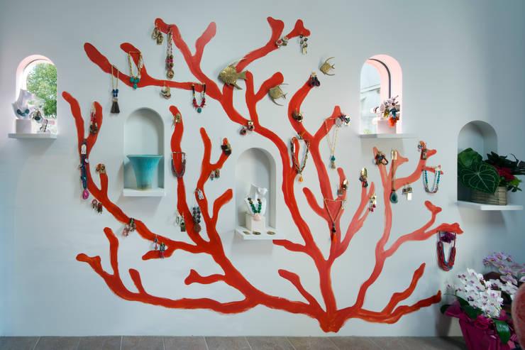 赤珊瑚: 株式会社 藤本高志建築設計事務所が手掛けた壁です。,オリジナル セラミック