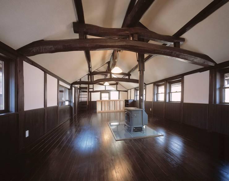 二階LDK: 有限会社 住まい考房が手掛けたです。