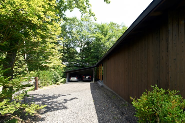 Parking-Garage: ARCHI-FACTORY architects officeが手掛けた家です。