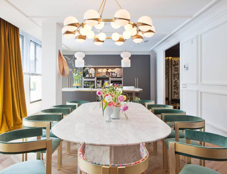 Sala de jantar  por Beatriz Silveira BATIK INTERIORES