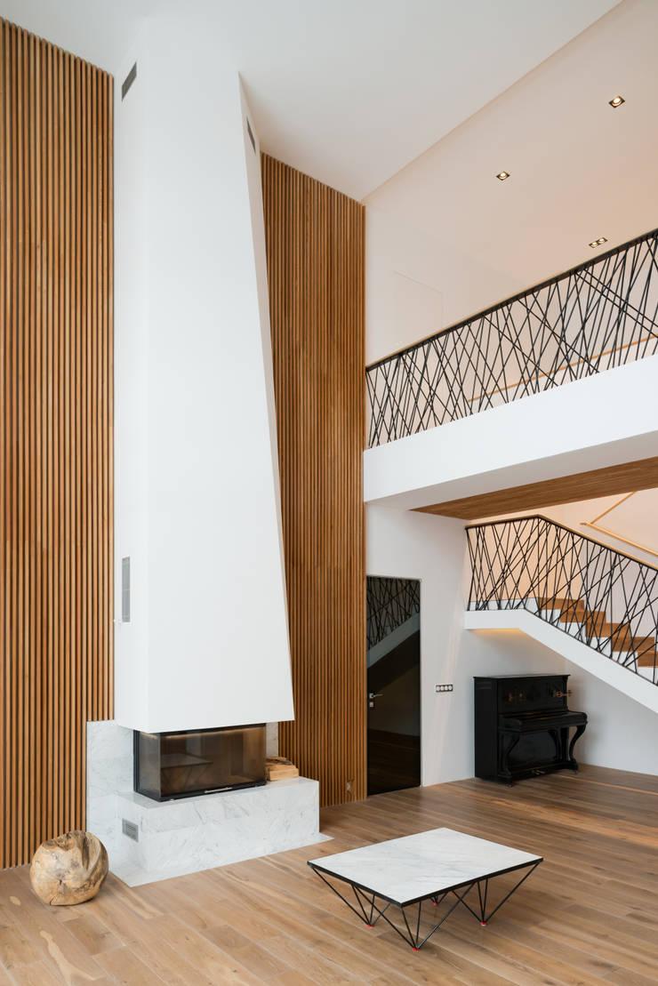 Конструктивный подход: Гостиная в . Автор – Monoloko design,
