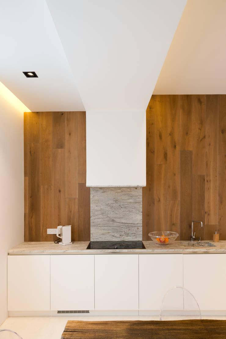 Конструктивный подход: Кухни в . Автор – Monoloko design,