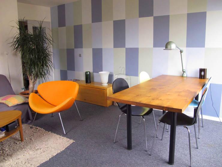 Photo de la réalisation - Fresque et décoration intérieure du séjour:  de style  par Agence Ideco