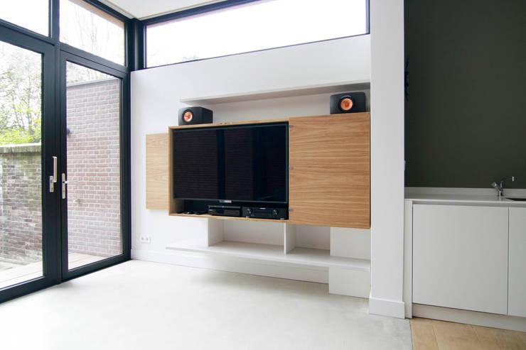 Home-entertainment kast:  Woonkamer door OD-V