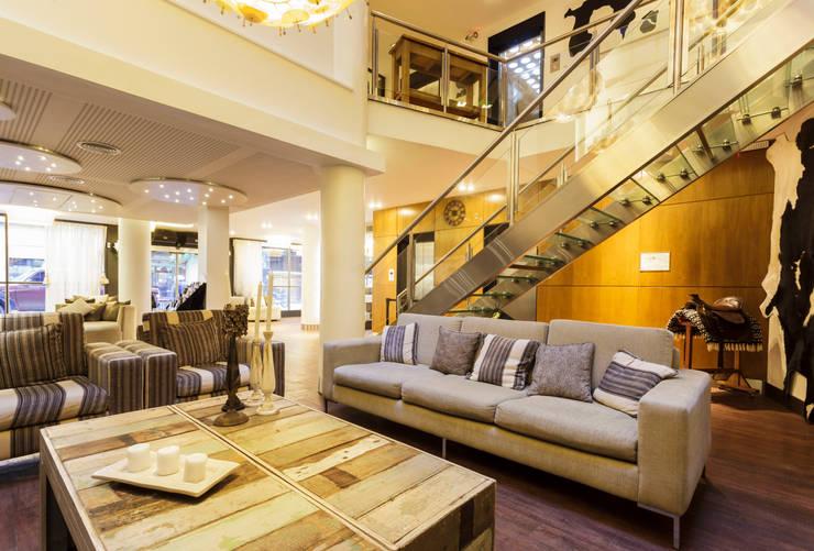 HOTEL MICROCENTRO PORTEÑO: Hoteles de estilo  por Estudio Arqt