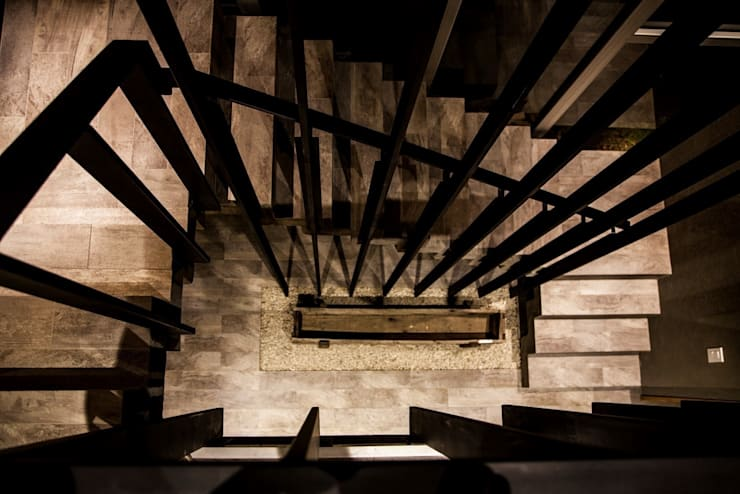 Case in stile  di FAARQ - Facundo Arana Arquitecto & asoc.