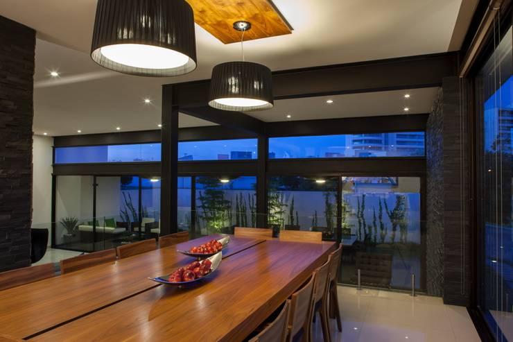 Eetkamer door GLR Arquitectos