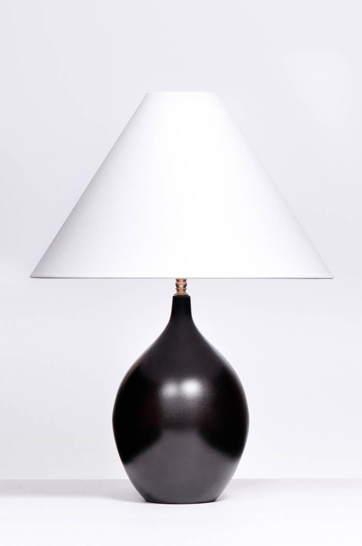 LACRIMA SMALL BLACK MATT: styl , w kategorii  zaprojektowany przez Peter Woodland Lamps,Nowoczesny