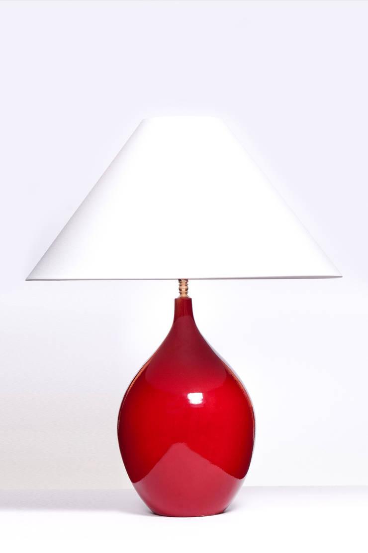 LACRIMA LARGE CHERRY RED: styl , w kategorii  zaprojektowany przez Peter Woodland Lamps,Nowoczesny