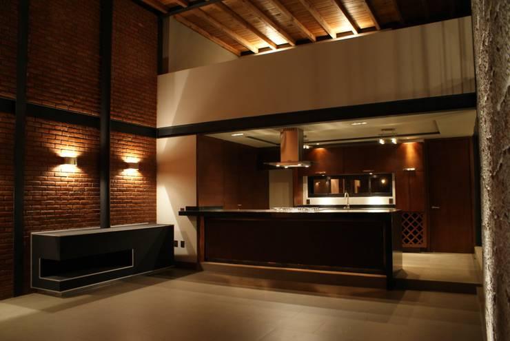 Santa María Dos: Cocinas de estilo  por Taller Habitat Arquitectos